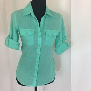 Tops - Green 3/4 sleeve button down shirt medium